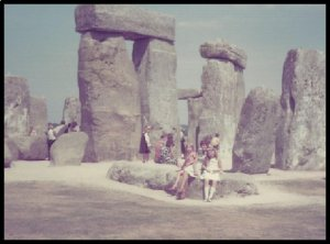 Fam_at_Stonehenge___2__1468181086_56734__1468181086_37208